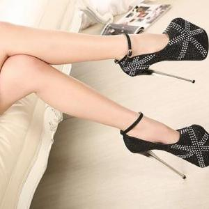 Black Rhine Stone Design High Heels..