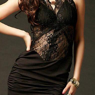 Charming Black Open Back Halter Dre..