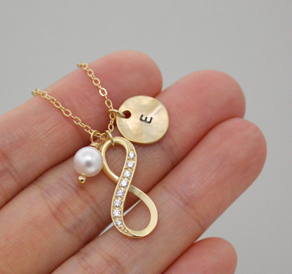 Infinity Necklace Personalized Initial Gold Disc Necklace Best Friend Necklace Coin Initial Jewelry Swarovski Pearl
